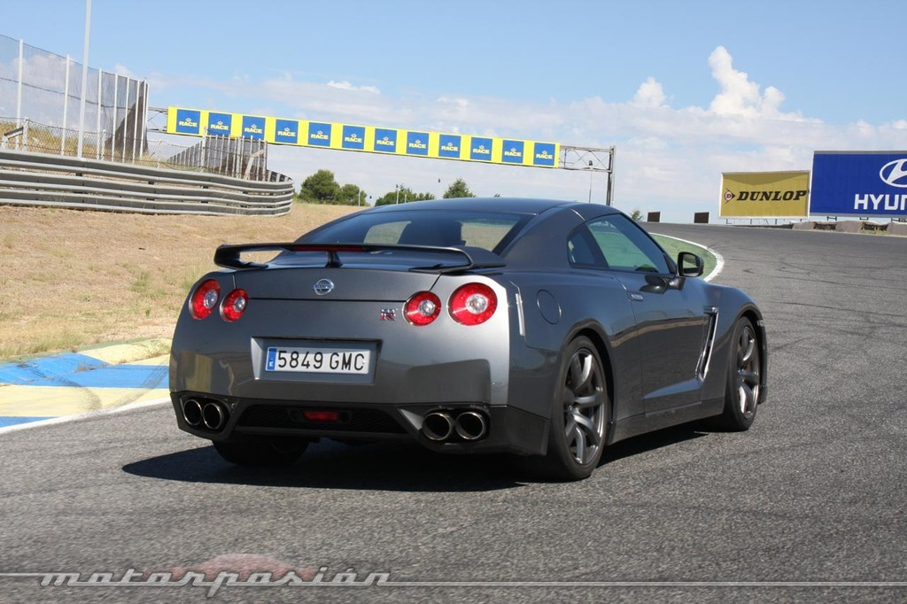 Nissan GT-R (prueba)