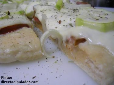 Receta de pizza masa pan de verduras y mozzarella