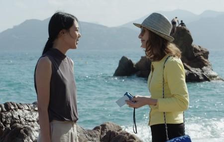 'La cámara de Claire': una extraña y aséptica comedia que hará las delicias de los seguidores de Hong Sang-soo