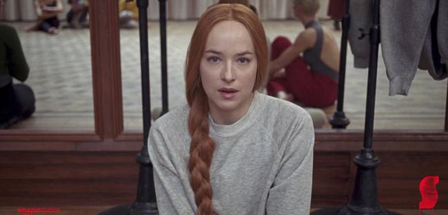 Suspiria, la nueva peli de Dakota Johnson, quiere aterrorizarnos con su nuevo trailer (y lo ha conseguido)
