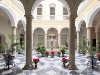 Cuatro apartamentos BBB (bueno-bonito-barato) en Sevilla para la Semana Santa