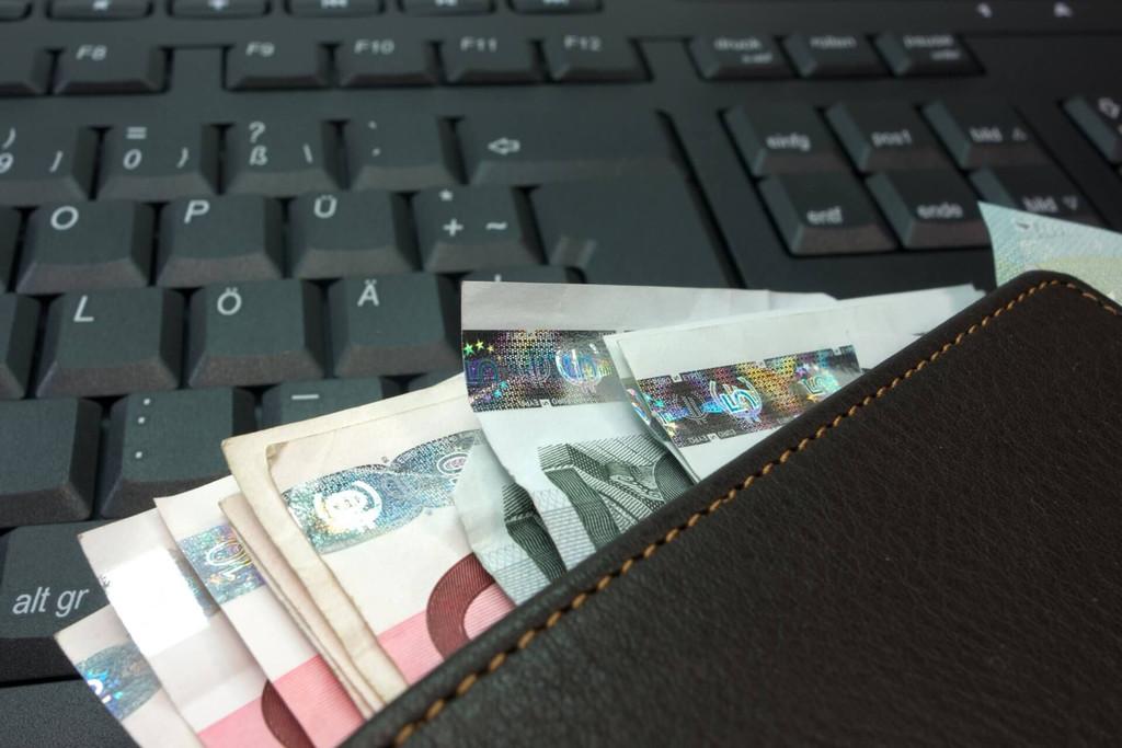 ¿De dónde saldrá el dinero para pagar ERTES, ayudas a empresas y deuda pública?
