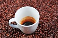 ¿Por qué la cafeína nos mantiene despiertos y concentrados?