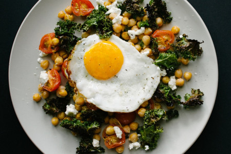 Mejora el valor nutricional de las verduras crudas, añadiendo huevo