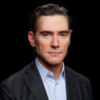 Apple TV+ se lleva su primer premio: Billy Crudup fue nombrado Mejor actor secundario en los 'Critics Choice Awards'