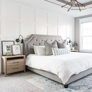 Antes y después: dormitorio principal en blanco y gris, atemporal y con un toque shabby