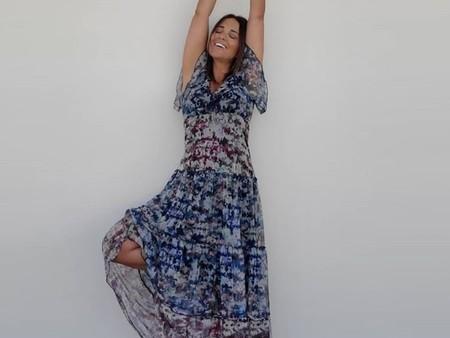 Paula Echevarría tiene el vestido largo y vaporoso que podemos llevar con sandalias, botines militares y hasta deportivas