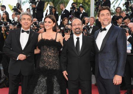 Javier Bardem Presenta Todos Saben En Cannes Con Un Look De Alto Impacto 1