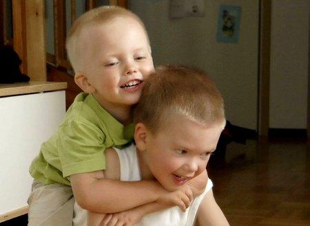 Los hijos únicos son más hiperactivos y los que tienen hermanos más agresivos