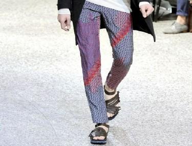 Pantalones estampados. ¿Te atreves con una de las tendencias de esta Primavera-Verano 2012? (II)
