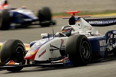 Los españoles brillan en Valencia; Timo Glock no remata el título