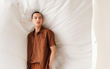 Capa sobre capa pero sumamente fresco: así es el look en lino de H&M esta primavera