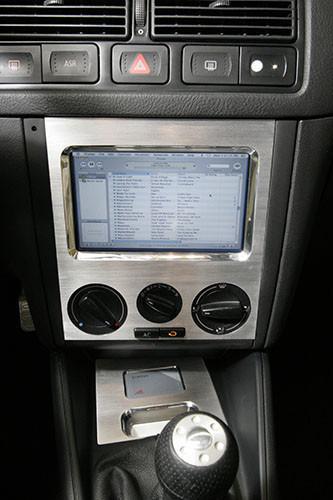 iTunes en la pantalla instalada en el GTI