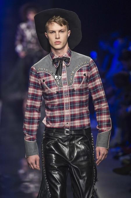En Milán los estampados nativos y el estilo cowboy se perfilan como la gran tendencia de la próxima temporada