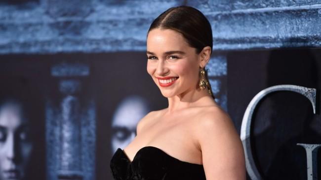 Emilia Clarke en la premiere de Juego de Tronos