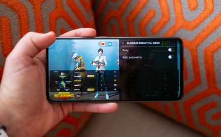 Samsung Galaxy A80 Uso Juego 02