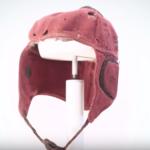 De la tela a la fibra de carbono y kevlar, así han evolucionado los cascos.