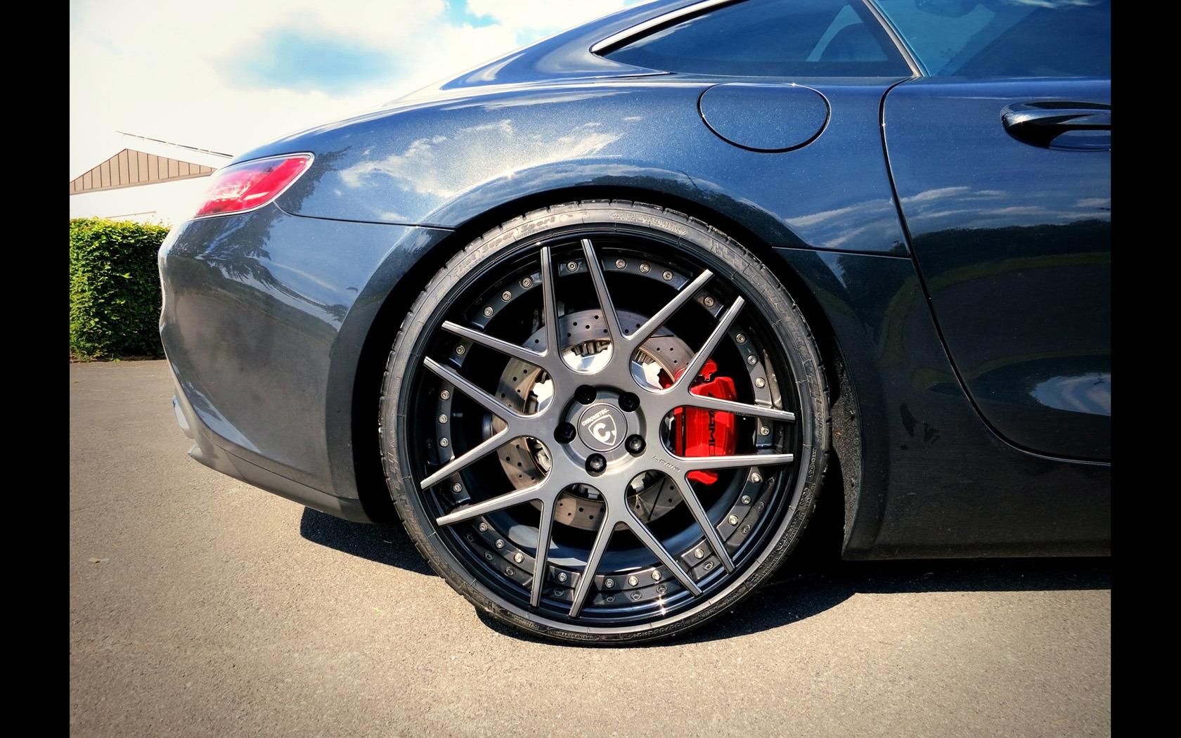 Mercedes-AMG GT S con llantas LOMA