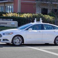 El coche autónomo de Ford circulará por California en el 2016