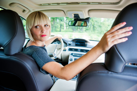 """""""Sal y dime si viene alguien"""": así te ayudará un radar de corto alcance a salir del aparcamiento"""