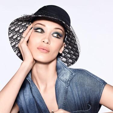 Las novedades de maquillaje de Dior, que ya hemos probado, son de lo más ideales para copiar los looks de Bella Hadid