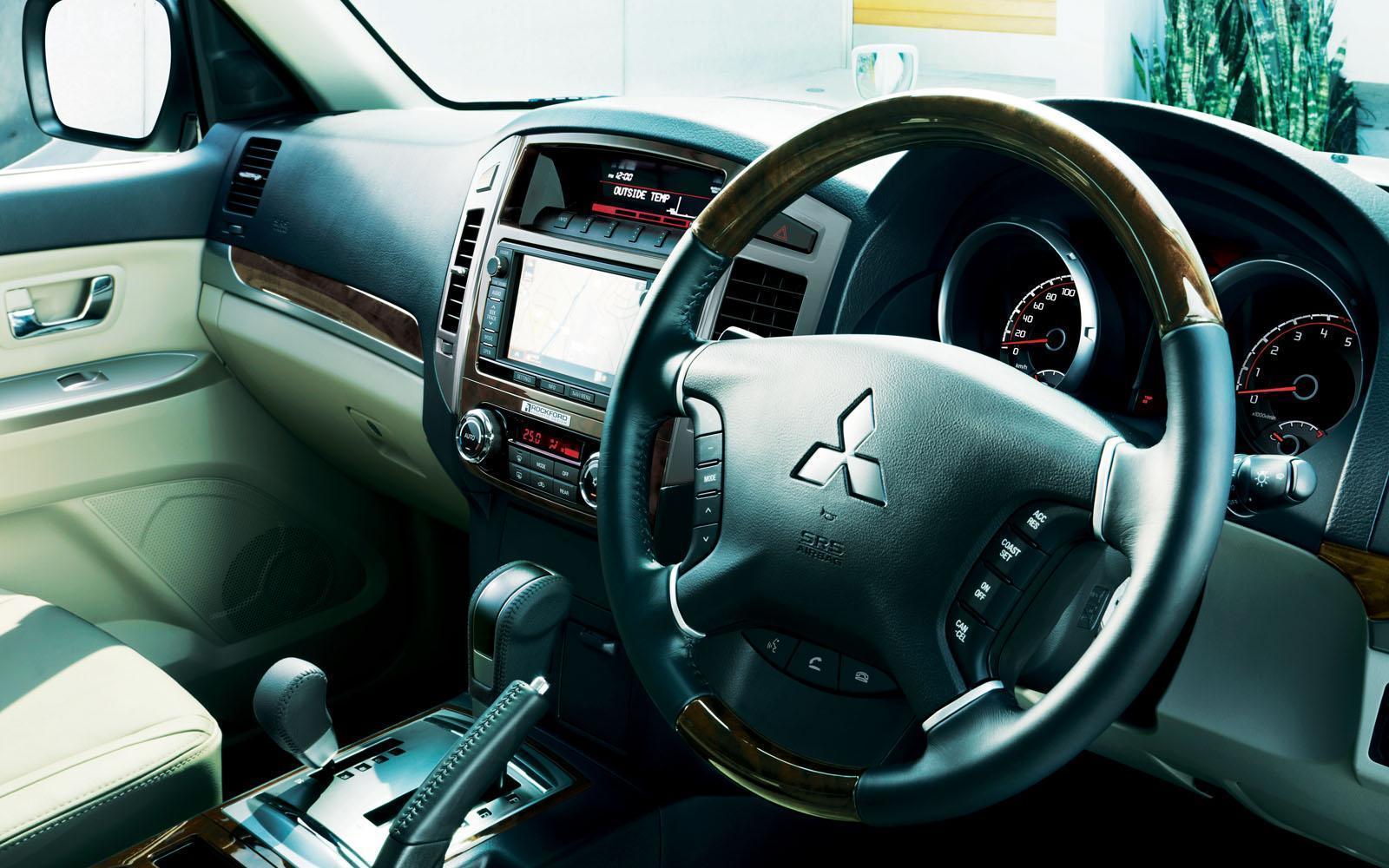 Foto de Mitsubishi Pajero 2015 (27/30)