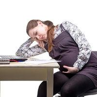 Hay mayor riesgo de crecimiento fetal reducido y de embarazo prolongado cuando la madre  tiene un trabajo por turnos