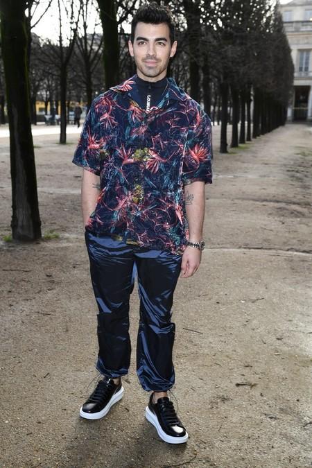 Los Beckham Y Demas Celebridades Despidieron A Kim Jones En Su Ultimo Desfile Para Louis Vuitton En Paris 5