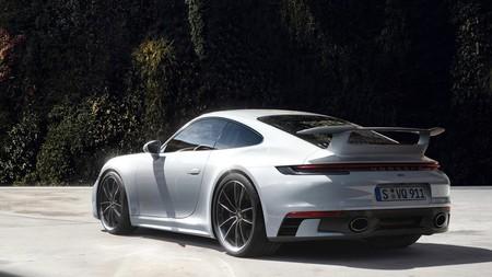 Porsche 911 estrena paquetes SportDesign y Aerokit