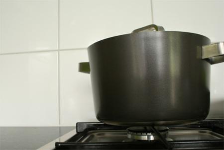 Materiales que debemos evitar al cocinar por ser tóxicos