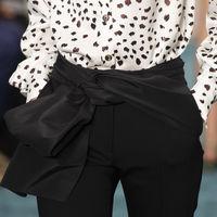 Clonados y pillados: el extraño caso de los pantalones de Carolina Herrera que aparecieron en Zara