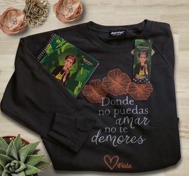 Frida Kahlo, Marie Curie... Si tus heroínas son mujeres relevantes de la historia, te gustarán estas camisetas