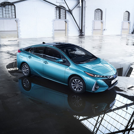 Salon De Paris 2016 Prius Plug In Hybrid 6