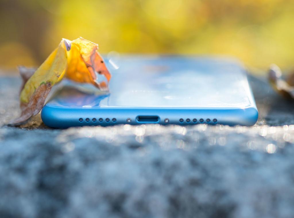 La eSIM de Movistar para los nuevos iPhone está al caer: habilitan la web antes de su anuncio oficial