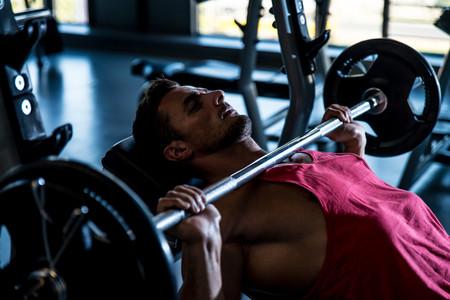 press-banca-pectoral-activacion-musculos