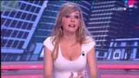 """¿Qué necesita el escote de Anna Simón, copresentadora del programa """"Tonterías las justas""""?"""