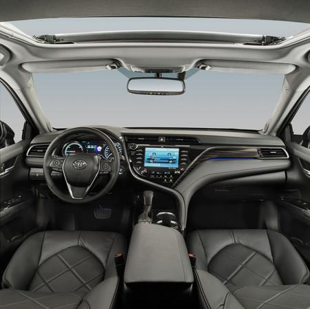 Toyota Camry Hybrid 11
