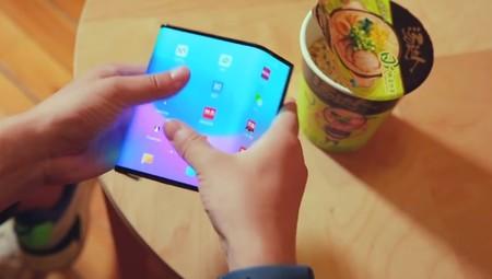 El smartphone plegable de Xiaomi aparece de nuevo en video: su llegada podría estar muy cerca