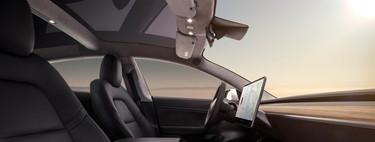 Así funciona la pantalla del Tesla Model 3, y resulta que tienes que tocarla para TODO