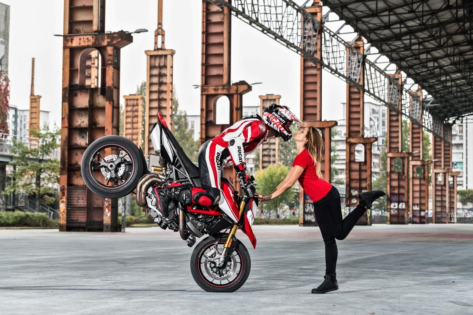 Foto de Ducati Hypermotard 950 2019 (18/76)