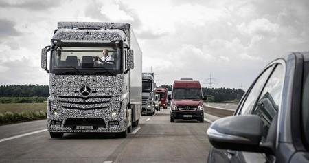 El sistema de conducción autónoma para camiones de Mercedes-Benz en vídeo