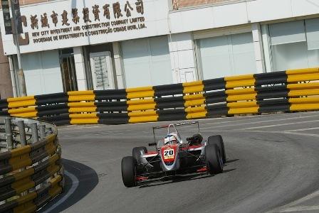 Roberto Merhi habla sobre su futuro de la mano de Mercedes