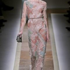 Foto 10 de 23 de la galería valentino-otono-invierno-20112012-en-la-semana-de-la-moda-de-paris-la-moda-esta-triste en Trendencias
