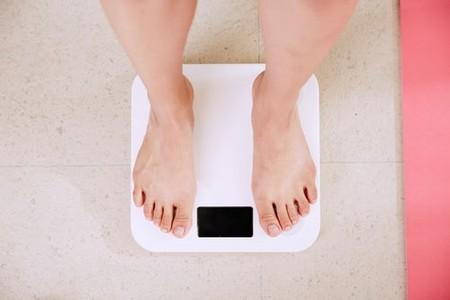 """Un nuevo estudio explica cómo funciona la """"báscula interna"""" que nos ayuda a mantener nuestro peso corporal"""