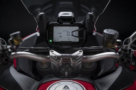 Ducati Multistrada V2 2022 001