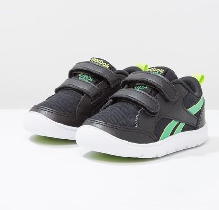 776f071681d53 Bajada de precio en las zapatillas para niños Reebok Classic VENTUREFLEX  CHASE II