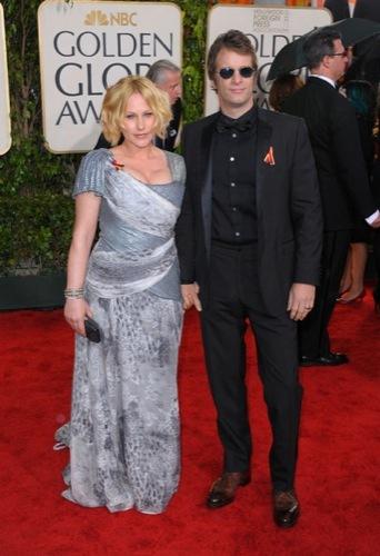 Las famosas peor vestidas de los Globos de Oro. Patricia Arquette