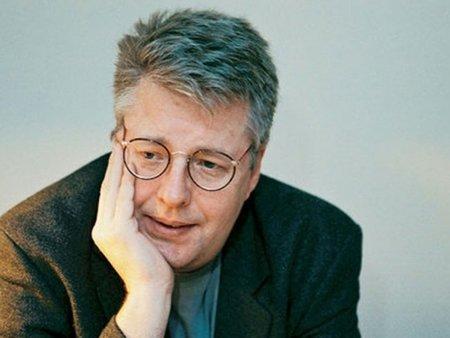 Los herederos de Stieg Larsson donan 60.000 euros al movimiento democrático birmano