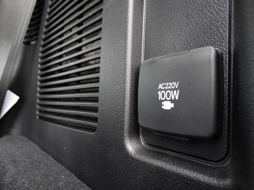 Foto de Probamos el Toyota Land Cruiser 180D, todas las imágenes del motor, maletero y otros detalles (26/32)