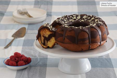 Marmor-gugelgupf o bundt cake marmolado de chocolate y Oporto: receta clásica austriaca con un toque especial